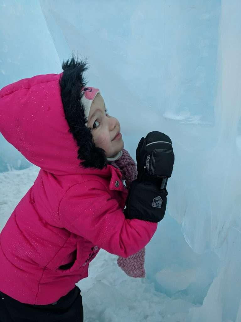 K hugging the ice