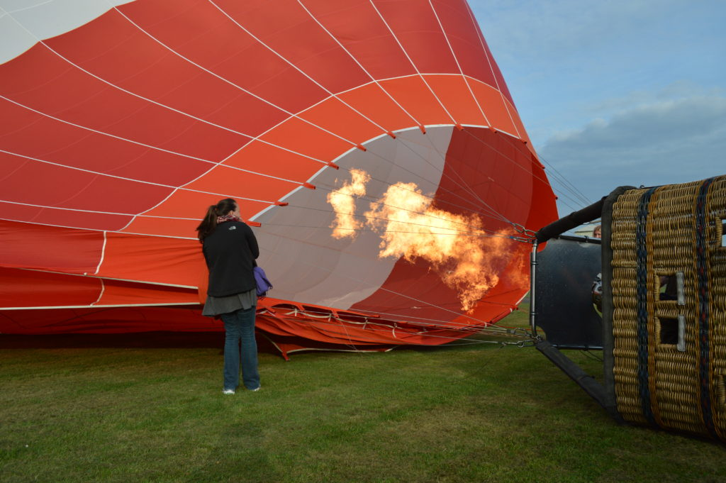 Burners putting hot air into the balloon
